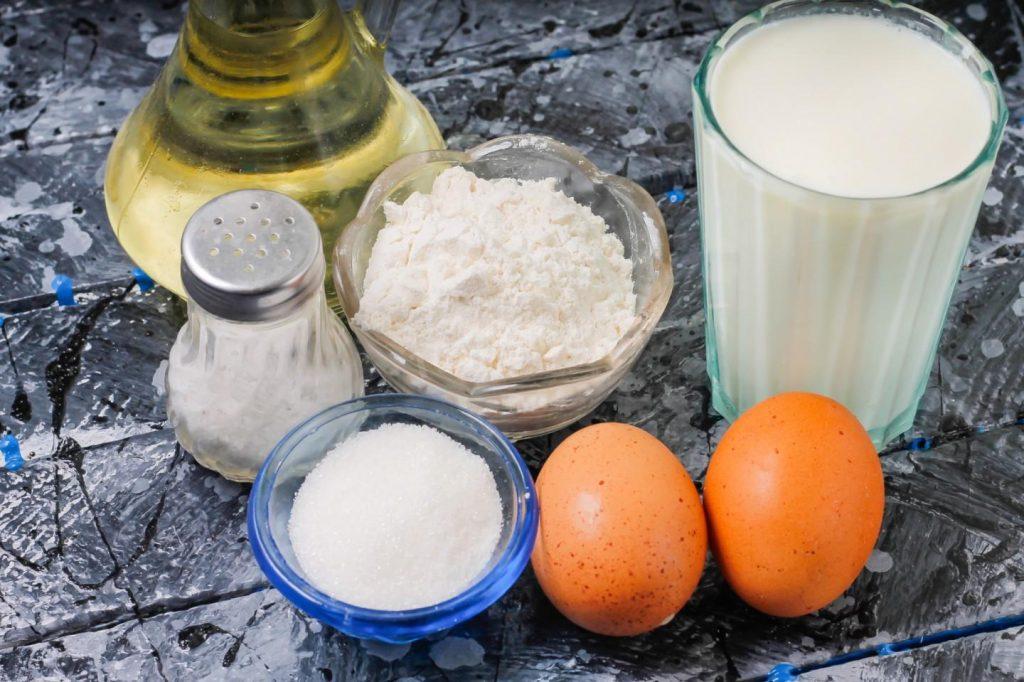 Рецепт дрожжевых блинов на Масленицу – подходят для любой начинки
