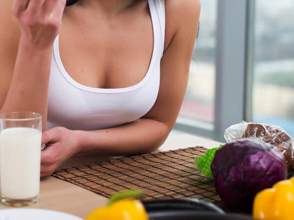 Какая диета поможет сохранить красивую грудь?