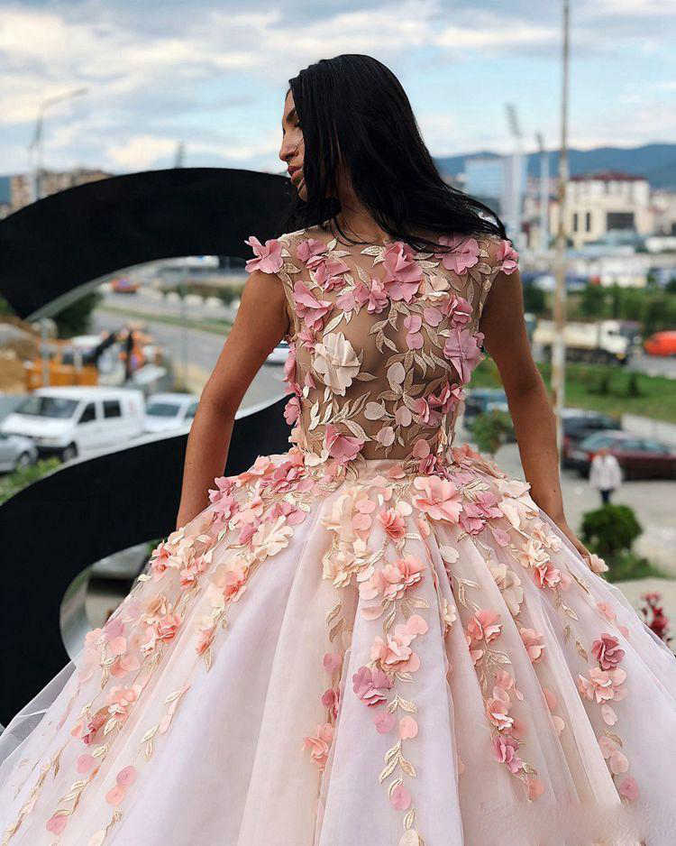 Идеальное платье на выпускной: секреты стилистов