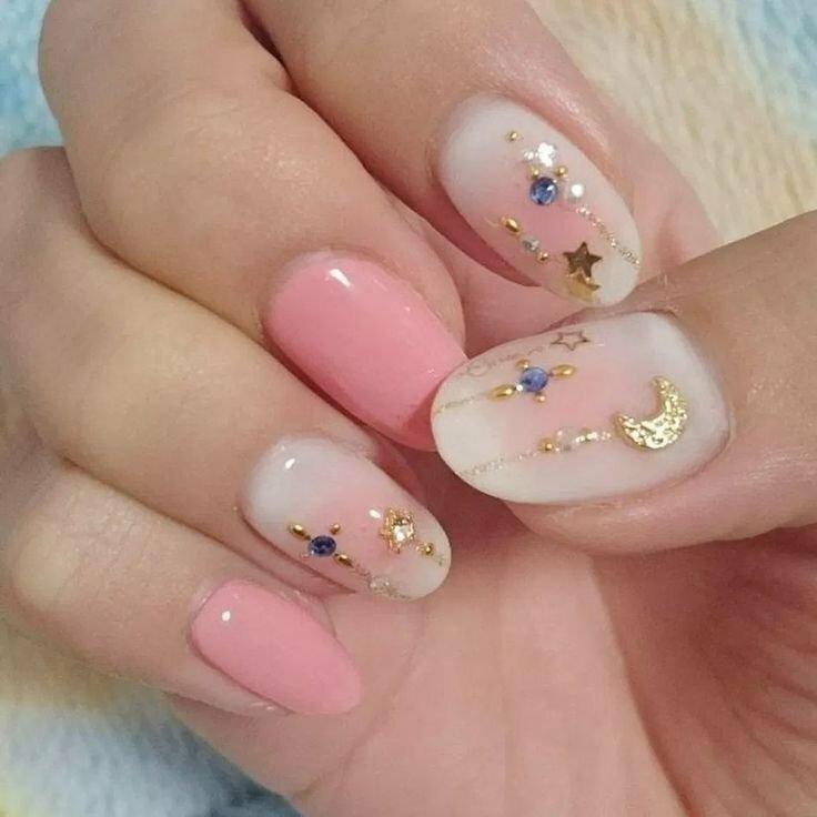 Роспись ногтей и её виды