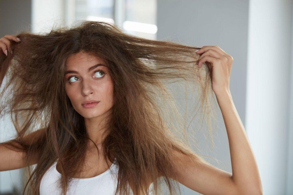 Грамотный уход за сухими и безжизненными волосами