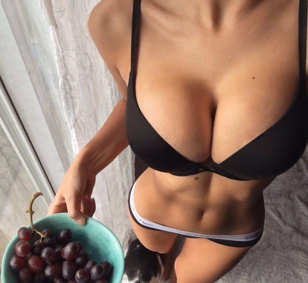 Похудели – и обвисла грудь? Придайте ей красивую форму