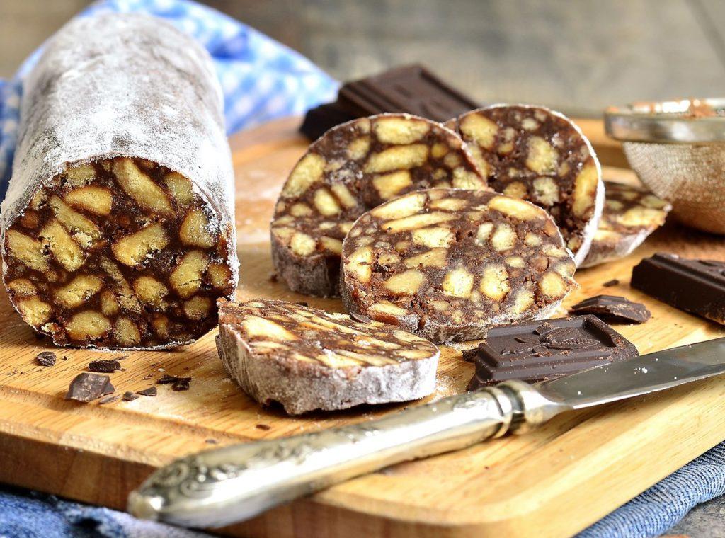 Колбаса шоколадная с черносливом и сгущенным молоком
