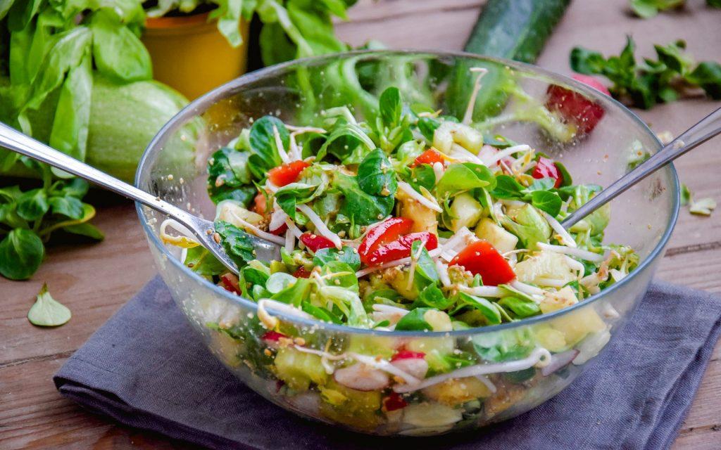 Овощной салат со сладким картофелем