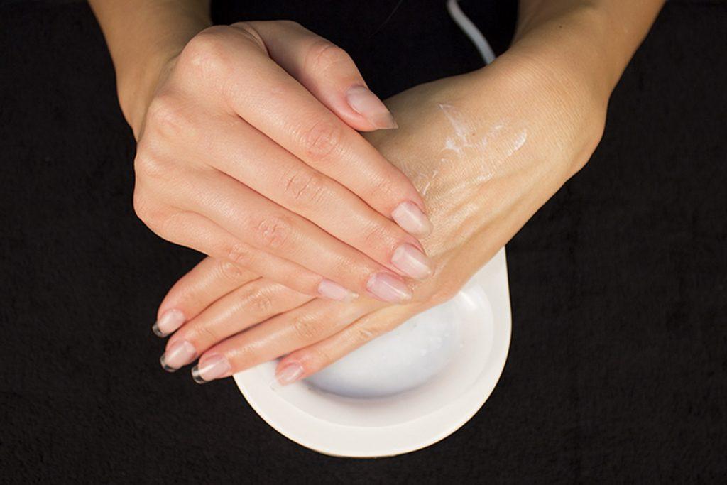 Способы ухода за ногтями в домашних условиях