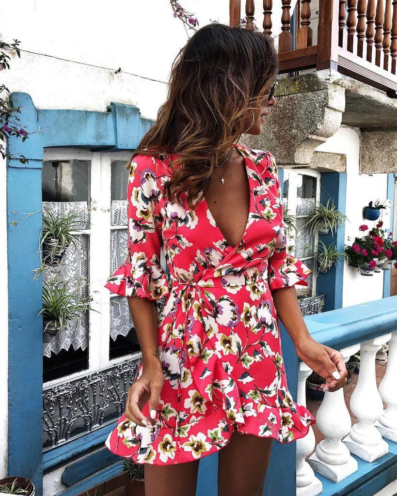 Женские платья с цветочным принтом - модный тренд