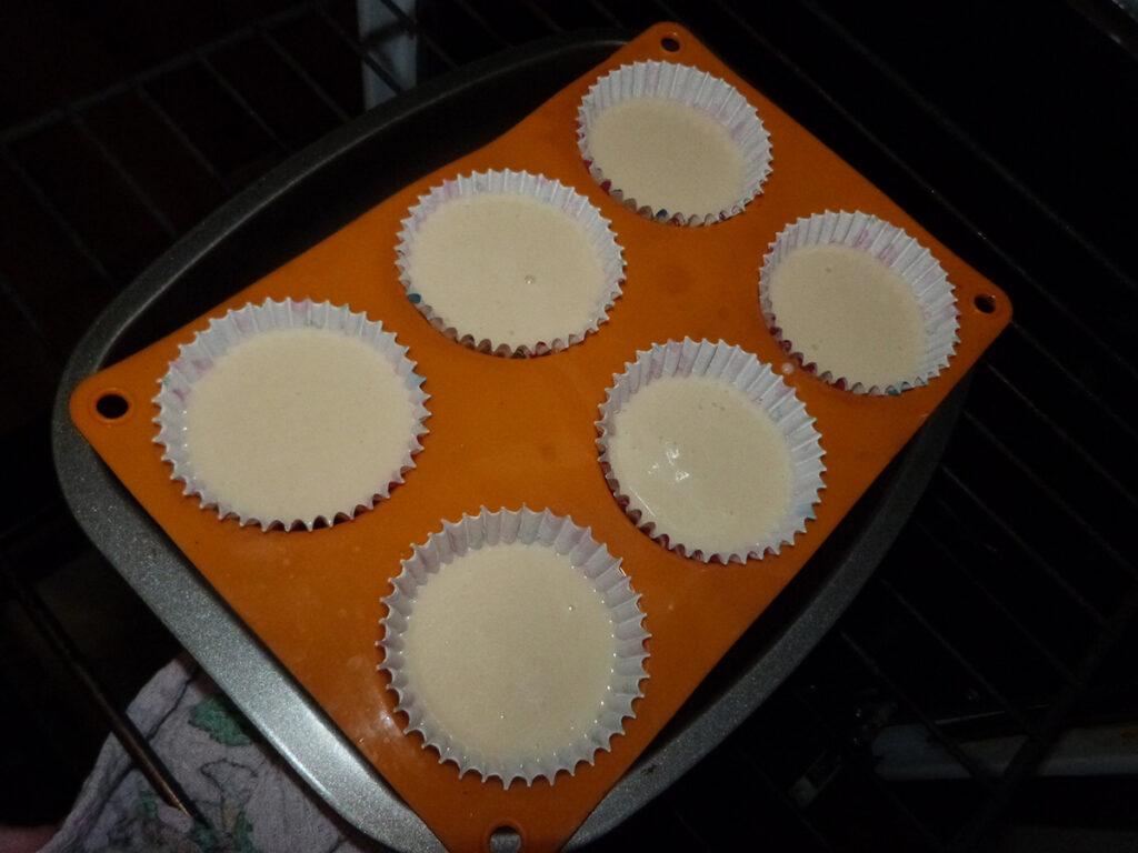 Маффины на молоке: простая и вкусная выпечка