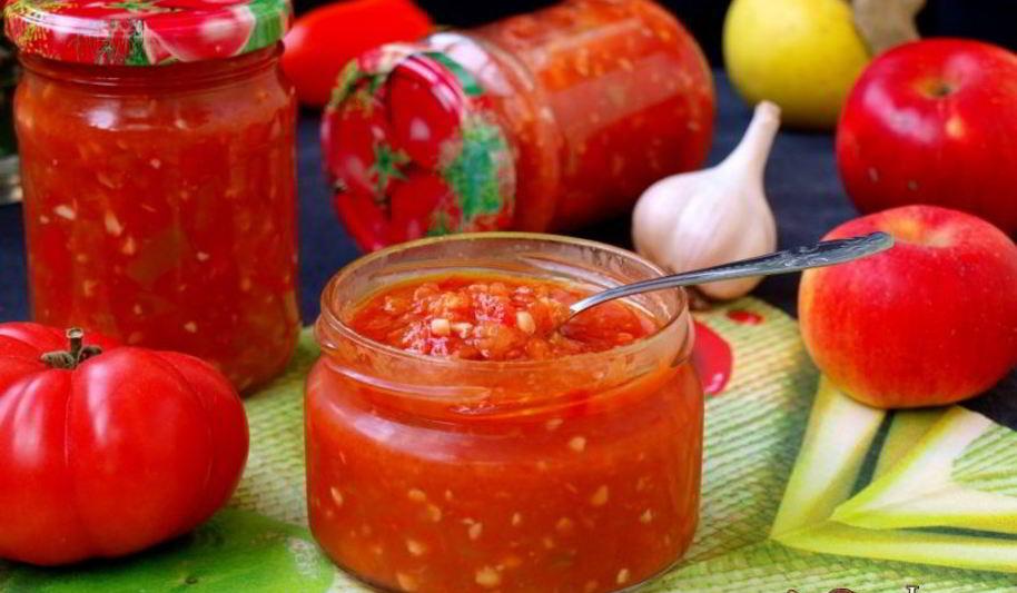 Рецепт яблочной аджики с кайенским перцем и помидорами